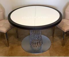 Круглый раздвижной стол от нашей мастерской.